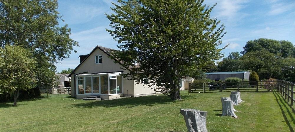 Cardsmill Farm Holidays Dorset - Courthouse Farmhouse