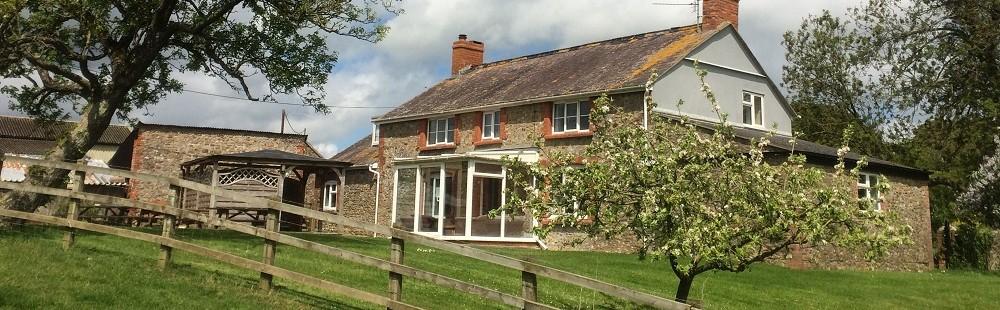 Cardsmill Farm Holidays Dorset - Taphouse