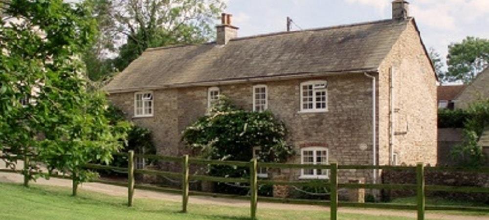 Character Farm Cottages - Chelsea