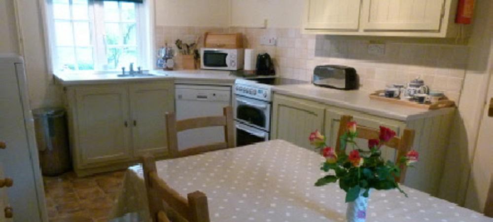 Character Farm Cottages - Chelsea kitchen
