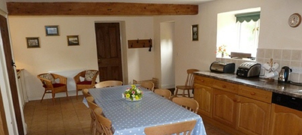 Character Farm Cottages - Chestnut kitchen