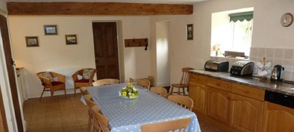 Character Farm Cottages - Chestnut kitchen
