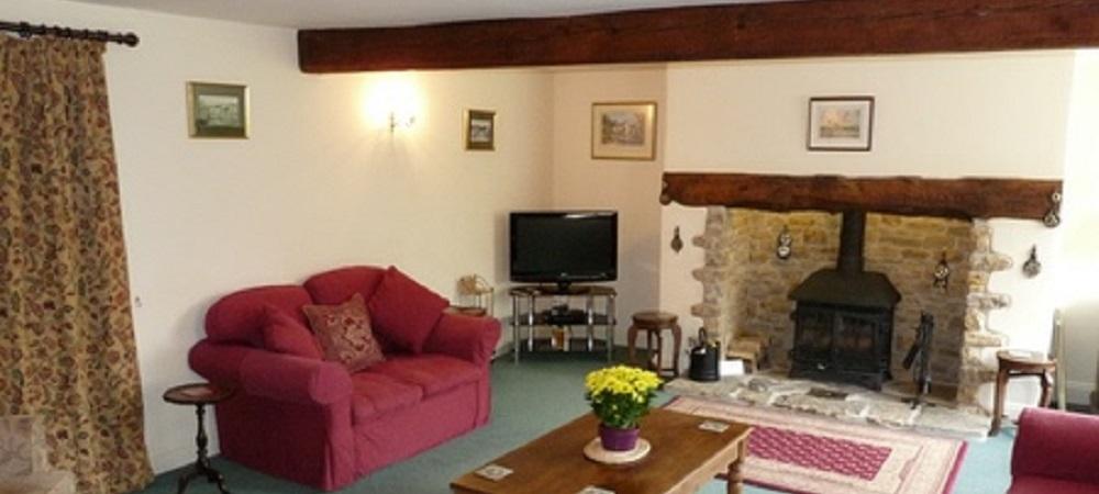 Character Farm Cottages - Chestnut lounge