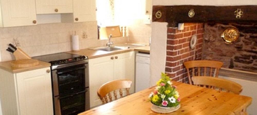 Character Farm Cottages - Lower Farm kitchen