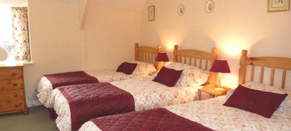 Character Farm Cottages - Lower Farm triple bedroom