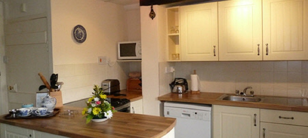 Character Farm Cottages - Sycamores kitchen