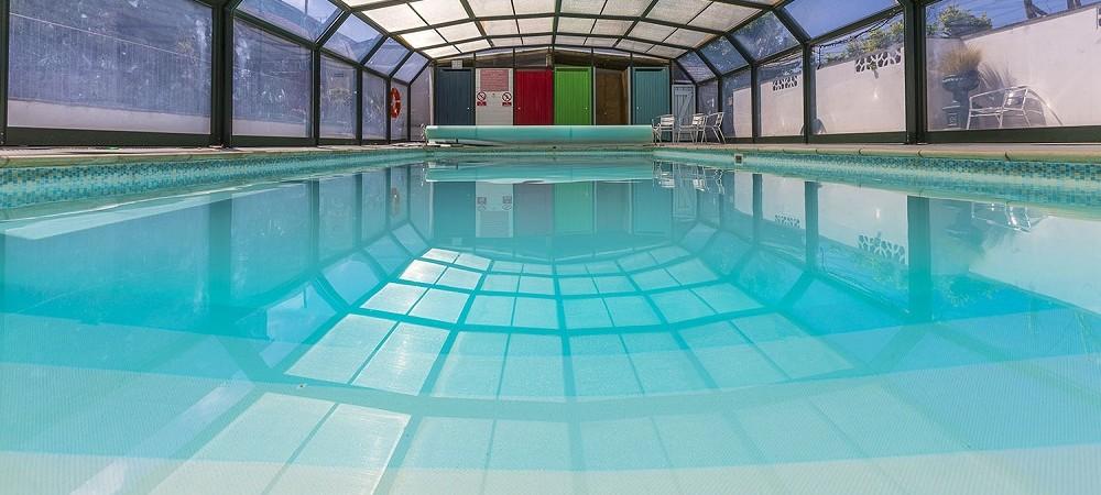 Court Farm Holidays heated swimming pool