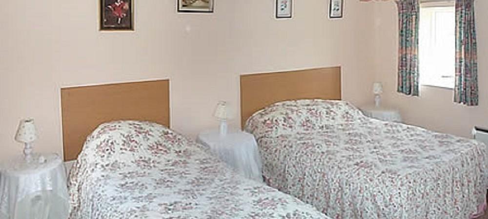 Deer Park Farm twin bedroom