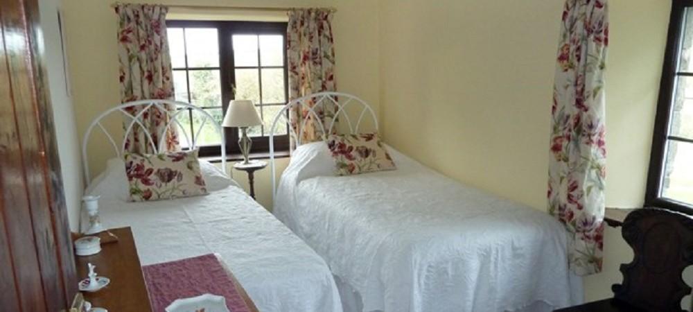 Hendra Paul Cottages Barn Owl Cottage bedroom 4