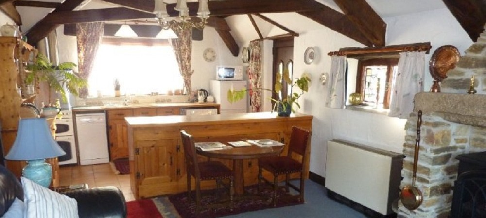 Hendra Paul Cottages Wild Flower Cottage Lounge 2