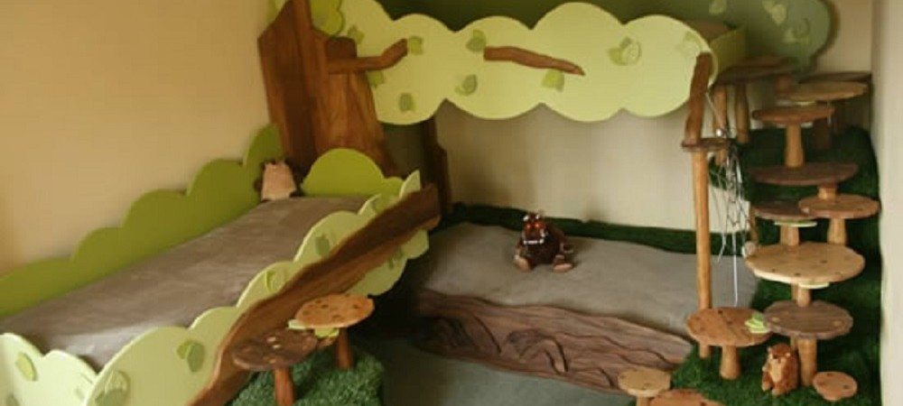 Higher Lank Farm Bo Peep tree bed
