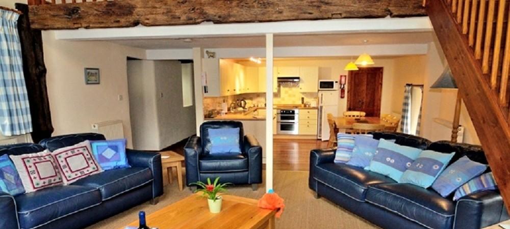 Knowle Farm Woodbine living room