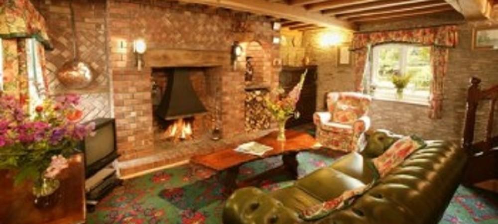Malston Mill Farm Riverside lounge