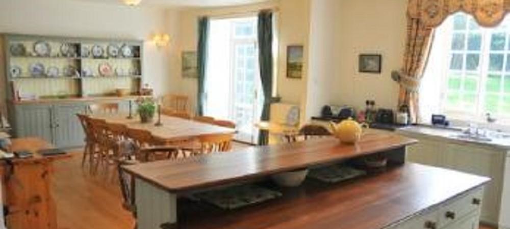 Puncknowle Manor Cottages - Farmhouse kitchen