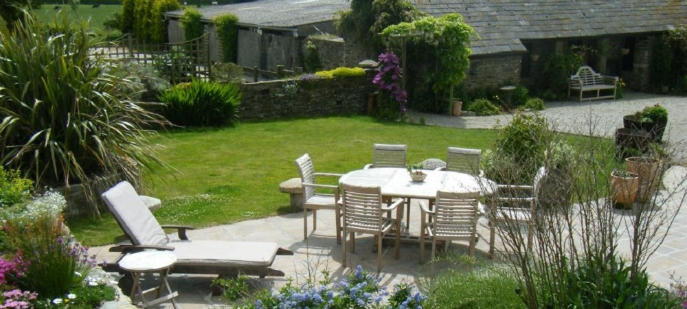 Trenake Manor Farm patio