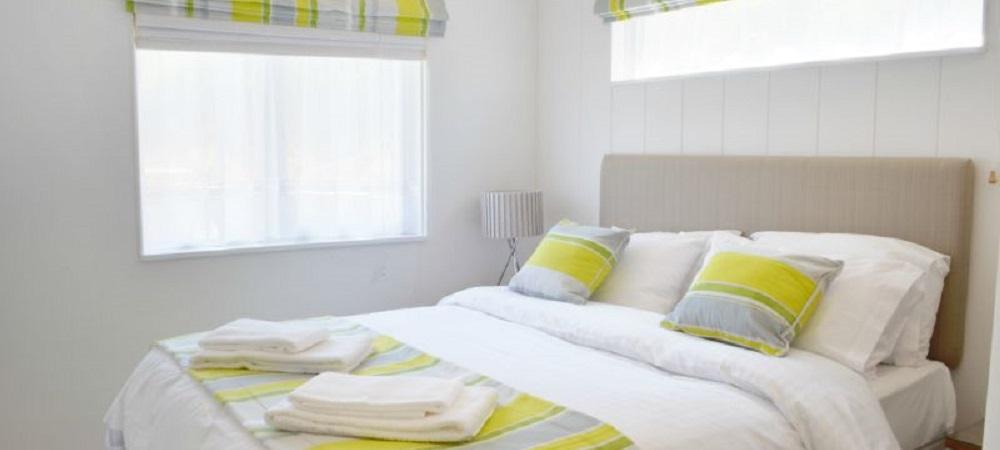 Bovisand Lodge Holiday Park Devon - Lodges Bovis and Bracken master bedroom